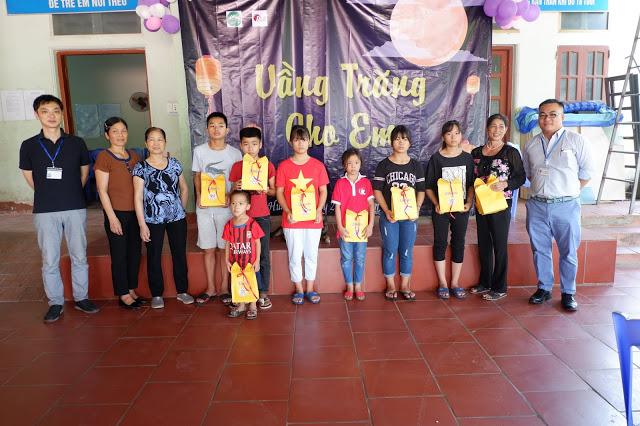 Eikodo tặng quà Trung Thu cho trẻ em tại Trung tâm Hy vọng Tiên Cầu